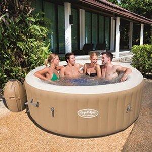 Können sogar therapeutisch helfen: Aufblasbare Pools