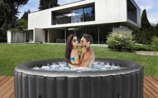 Spaß und Wellness im Outdoor Whirlpool